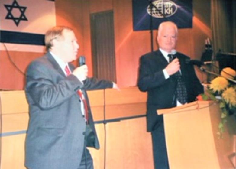 ארי ליפינסקי עם אלוף עמוס גלעד